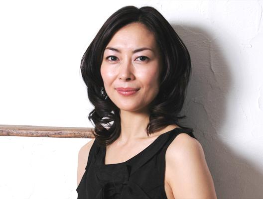中田英寿の彼女と噂された中山美穂