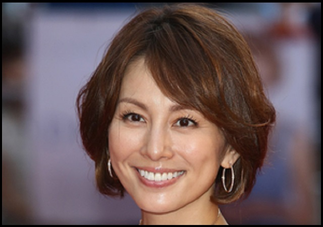 Gacktの彼女と噂された米倉涼子