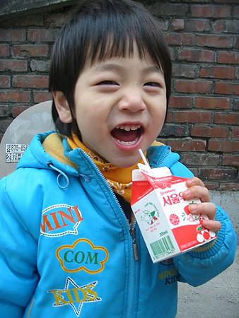 整形疑惑のあるユチョンの子供の頃の写真